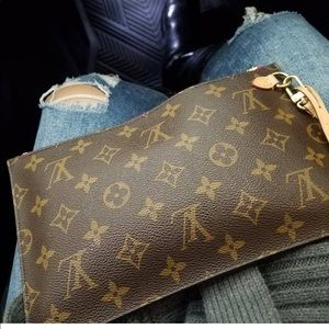 Louis Vuitton Bags - 🌸Louis Vuitton pouchette mm🌸